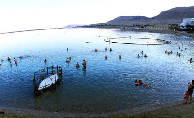 Relaxation and Rejuvenation in the Dead Sea
